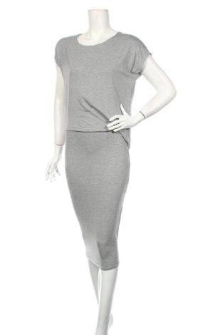 Sukienka Boohoo, Rozmiar M, Kolor Szary, 95% wiskoza, 5% elastyna, Cena 74,10zł