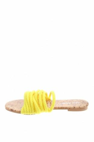 Чехли Public Desire, Размер 36, Цвят Жълт, Текстил, Цена 23,52лв.