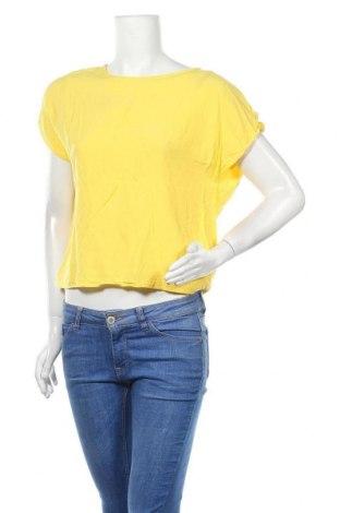 Дамска блуза Primark, Размер M, Цвят Жълт, Вискоза, Цена 17,85лв.