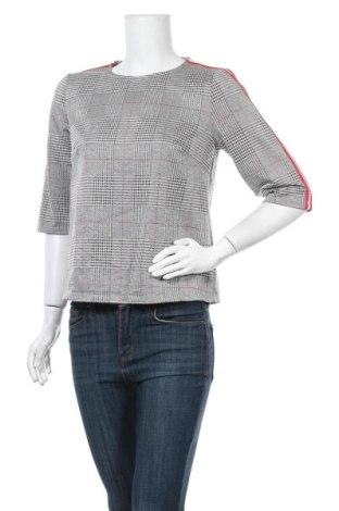 Дамска блуза Vrs Woman, Размер S, Цвят Черен, 49% полиестер, 44% вискоза, 5% полиамид, 2% еластан, Цена 14,28лв.