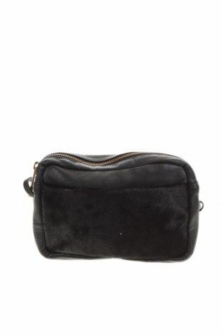 Дамска чанта Oasis, Цвят Черен, Естествена кожа, естествен косъм, Цена 44,25лв.