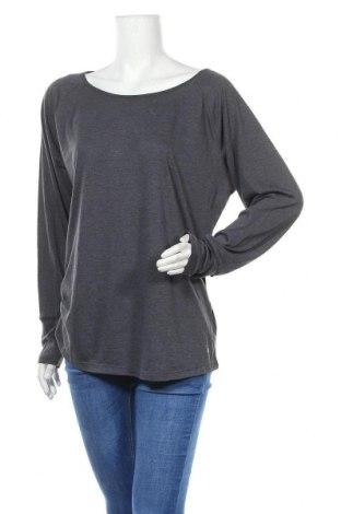 Дамска спортна блуза Essentials by Tchibo, Размер XL, Цвят Сив, 67% полиестер, 33% вискоза, Цена 17,85лв.