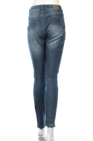 Дамски дънки Arizona, Размер M, Цвят Син, 79% памук, 19% полиестер, 2% еластан, Цена 23,56лв.