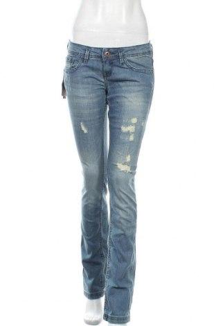 Дамски дънки Bershka, Размер S, Цвят Син, 98% памук, 2% еластан, Цена 48,30лв.