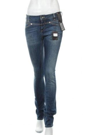 Дамски дънки Closed, Размер M, Цвят Син, 89% памук, 11% еластан, Цена 124,95лв.