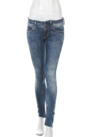 Дамски дънки G-Star Raw, Размер M, Цвят Син, 98% памук, 2% еластан, Цена 47,88лв.
