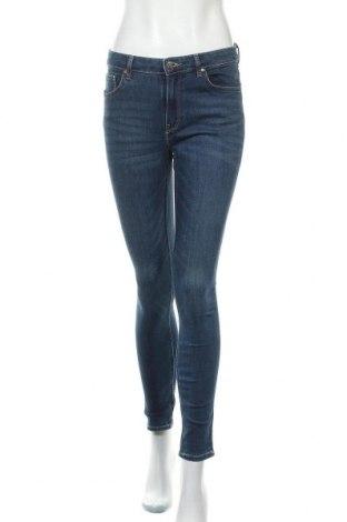Дамски дънки H&M, Размер M, Цвят Син, 66% памук, 30% полиестер, 3% вискоза, 1% еластан, Цена 27,30лв.