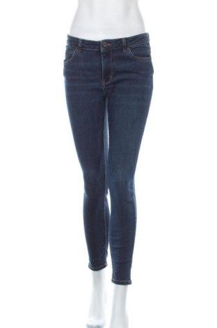Дамски дънки Hallhuber, Размер M, Цвят Син, 92% памук, 8% еластан, Цена 51,45лв.