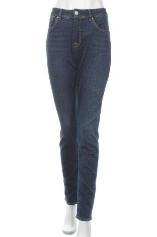 Дамски дънки Herrlicher, Размер L, Цвят Син, 98% памук, 2% еластан, Цена 96,85лв.