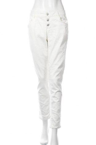 Дамски дънки Jean Paul, Размер M, Цвят Бял, 98% памук, 2% еластан, Цена 5,17лв.