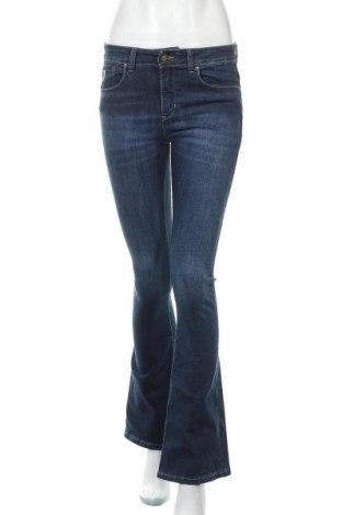 Дамски дънки Lois, Размер M, Цвят Син, 98% памук, 2% еластан, Цена 26,25лв.