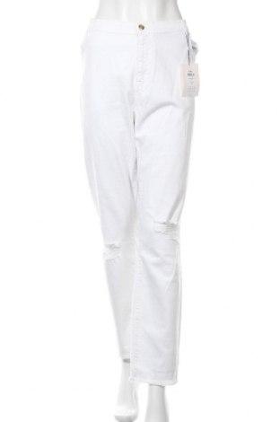 Дамски дънки Only Carmakoma, Размер 3XL, Цвят Бял, 98% памук, 2% еластан, Цена 36,99лв.