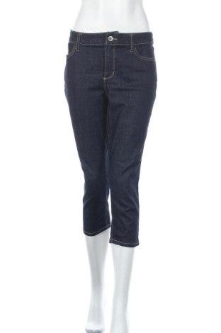 Дамски дънки St. John's Bay, Размер M, Цвят Син, 78% памук, 20% полиестер, 2% еластан, Цена 11,45лв.