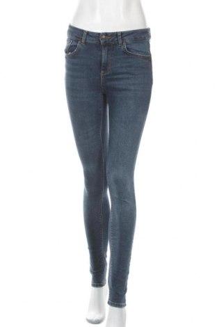 Дамски дънки Vero Moda, Размер S, Цвят Син, 84% памук, 9% полиестер, 5% вискоза, 2% еластан, Цена 22,05лв.