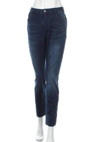 Дамски дънки Women by Tchibo, Размер XL, Цвят Син, 69% памук, 29% полиестер, 2% еластан, Цена 22,05лв.