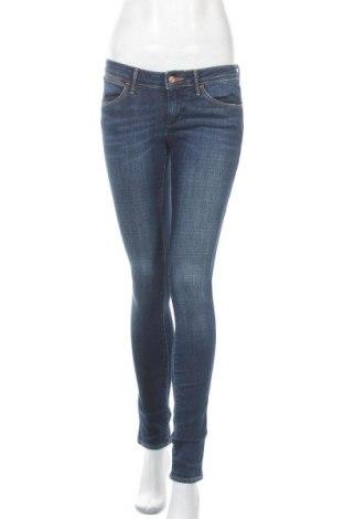 Дамски дънки Wrangler, Размер S, Цвят Син, 98% памук, 2% еластан, Цена 34,91лв.