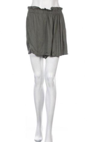 Γυναικείο κοντό παντελόνι Hollister, Μέγεθος XL, Χρώμα Πράσινο, Βισκόζη, Τιμή 9,94€