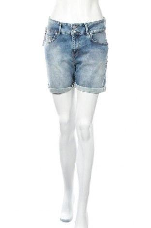 Дамски къс панталон Ltb, Размер M, Цвят Син, 92% памук, 6% полиестер, 2% еластан, Цена 51,75лв.
