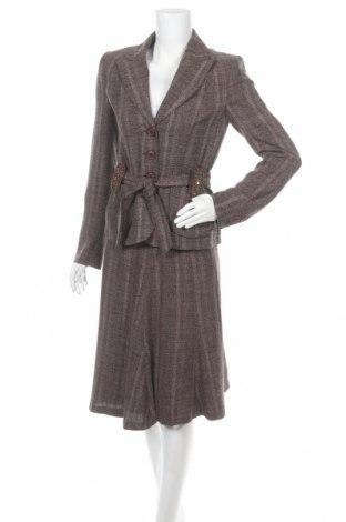Γυναικείο κοστούμι Zero, Μέγεθος S, Χρώμα Καφέ, 89% πολυεστέρας, 11% ελαστάνη, Τιμή 37,41€