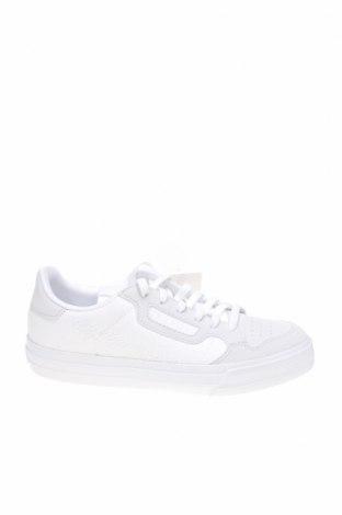 Дамски обувки Adidas Originals, Размер 35, Цвят Бял, Текстил, еко кожа, Цена 134,25лв.