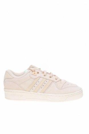 Дамски обувки Adidas Originals, Размер 38, Цвят Екрю, Естествен велур, Цена 141,75лв.