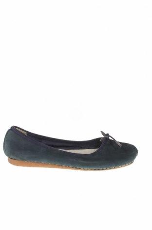 Дамски обувки Clarks, Размер 38, Цвят Син, Естествена кожа, Цена 67,20лв.