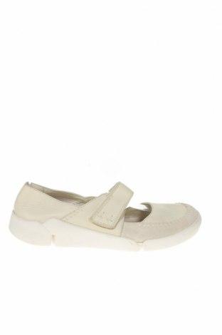 Дамски обувки Clarks, Размер 39, Цвят Бял, Естествена кожа, Цена 58,59лв.