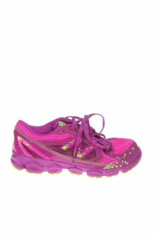 Дамски обувки New Balance, Размер 35, Цвят Лилав, Естествена кожа, еко кожа, текстил, Цена 51,45лв.