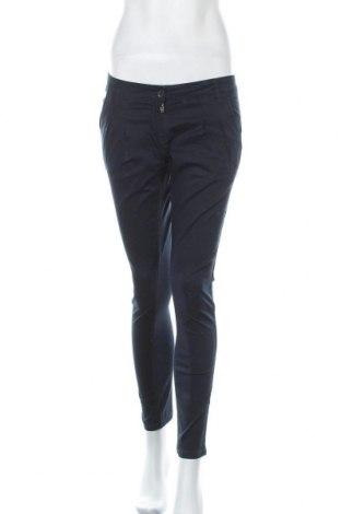 Дамски панталон Clockhouse, Размер S, Цвят Син, 98% памук, 2% еластан, Цена 13,98лв.