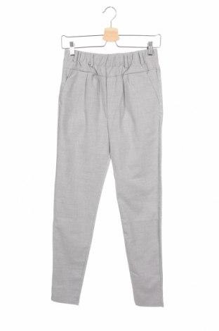 Дамски панталон Free Quent, Размер XS, Цвят Сив, 64% полиестер, 34% вискоза, 2% еластан, Цена 26,07лв.