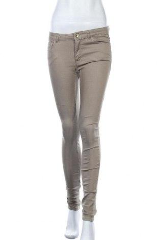 Дамски панталон H&M, Размер M, Цвят Бежов, 70% памук, 27% полиестер, 3% еластан, Цена 7,35лв.