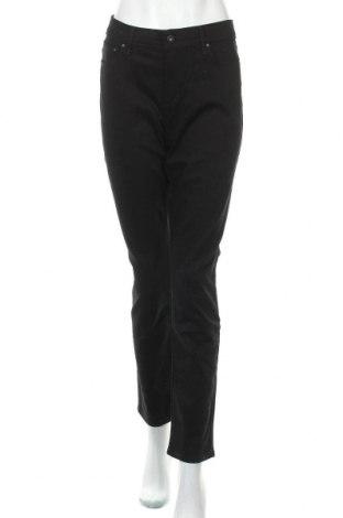 Дамски панталон Levi's, Размер L, Цвят Черен, 98% памук, 2% еластан, Цена 50,40лв.