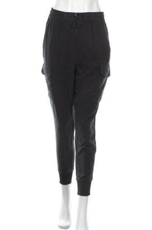 Дамски панталон Mtwtfss Weekday, Размер S, Цвят Черен, 100% модал, Цена 8,19лв.