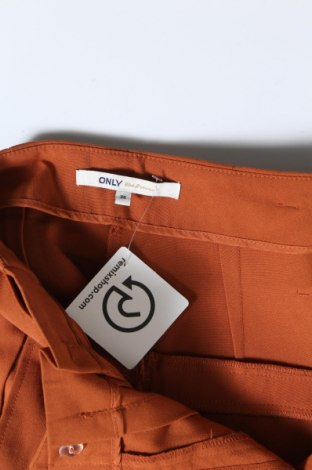 Дамски панталон ONLY, Размер S, Цвят Оранжев, 63% полиестер, 33% вискоза, 4% еластан, Цена 19,02лв.