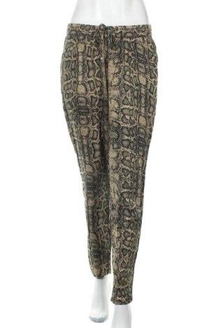 Дамски панталон Object, Размер M, Цвят Бежов, Вискоза, Цена 28,35лв.