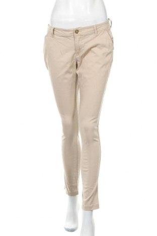 Дамски панталон Old Navy, Размер M, Цвят Бежов, 97% памук, 3% еластан, Цена 14,18лв.