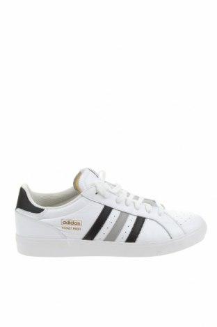 Мъжки обувки Adidas Originals, Размер 48, Цвят Бял, Естествена кожа, Цена 141,75лв.