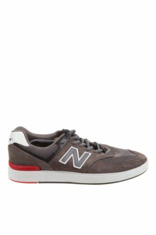 Мъжки обувки New Balance, Размер 40, Цвят Сив, Естествен велур, текстил, Цена 54,60лв.