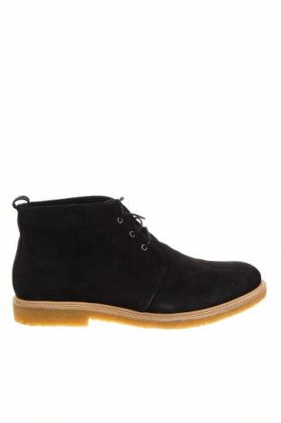 Мъжки обувки Royal Republiq, Размер 45, Цвят Черен, Естествен велур, Цена 141,75лв.