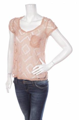 Дамска блуза Kimchi Blue, Размер XS, Цвят Бежов, 100% полиамид, Цена 3,00лв.
