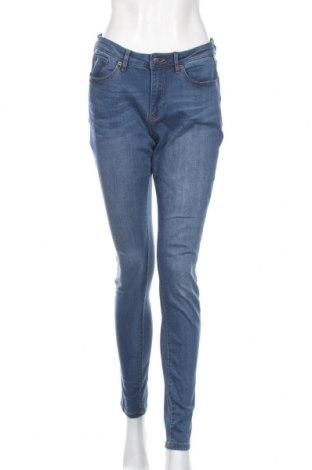 Damskie jeansy Q/S by S.Oliver, Rozmiar M, Kolor Niebieski, 45% wiskoza, 28% poliester, 24% bawełna, 3% elastyna, Cena 35,55zł