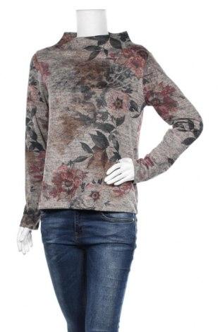Дамска блуза Betty & Co, Размер S, Цвят Многоцветен, 72% полиестер, 25% вискоза, 3% еластан, Цена 24,15лв.