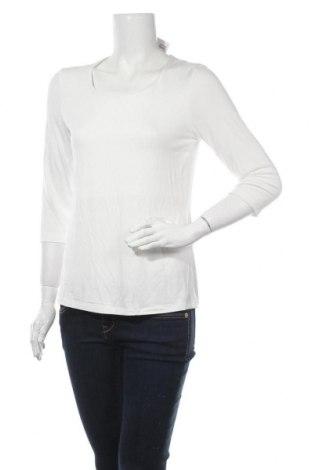 Дамска блуза Christian Berg, Размер M, Цвят Бял, Цена 16,10лв.