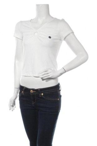 Дамска блуза Hollister, Размер M, Цвят Бял, 65% полиестер, 31% вискоза, 4% еластан, Цена 8,47лв.