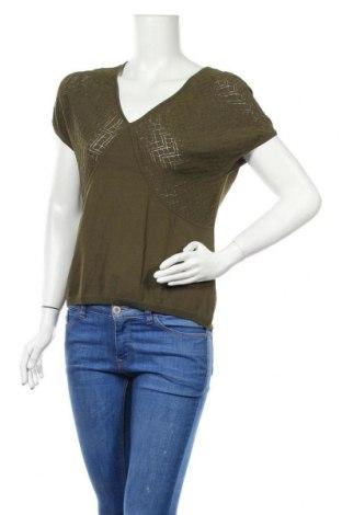 Дамска блуза Jones Wear, Размер L, Цвят Зелен, 62% вискоза, 38% полиамид, Цена 8,00лв.