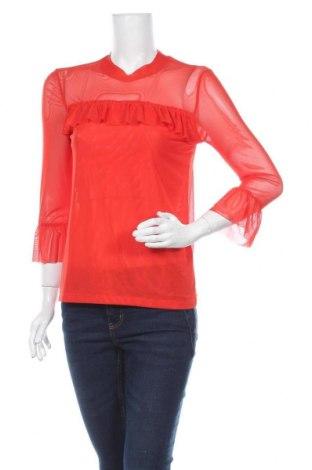 Дамска блуза Soaked In Luxury, Размер M, Цвят Червен, 95% полиестер, 5% еластан, Цена 25,28лв.
