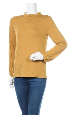Дамска блуза Soaked In Luxury, Размер M, Цвят Жълт, 97% вискоза, 3% еластан, Цена 26,07лв.