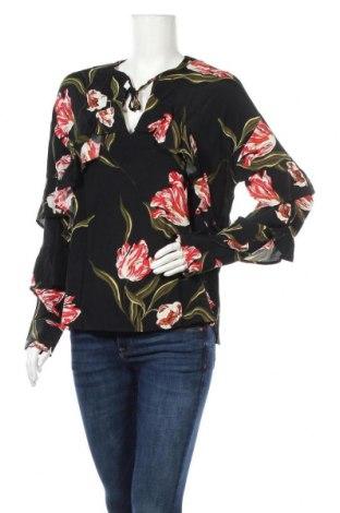 Дамска блуза Soaked In Luxury, Размер S, Цвят Черен, Вискоза, Цена 32,34лв.
