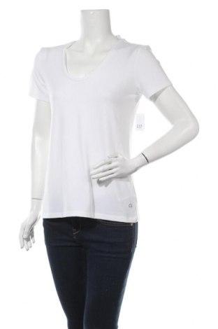 Γυναικείο t-shirt Gap, Μέγεθος S, Χρώμα Λευκό, 72% πολυεστέρας, 18% lyocell, 10% ελαστάνη, Τιμή 10,10€