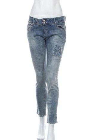 Дамски дънки Betty & Co, Размер L, Цвят Син, 98% памук, 2% еластан, Цена 35,64лв.